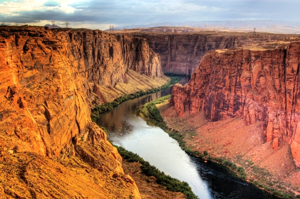 Glen_Canyon_in_southeastern_and_south_central_Utah.jpg